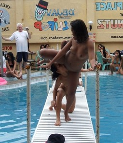 Water sex party, pussy licking mission..